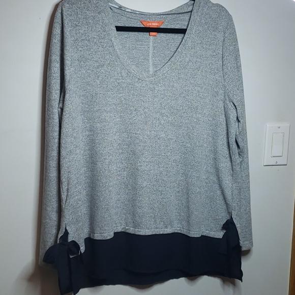 Light knit and chiffon sweater